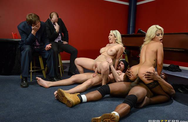 brazzers Блондинки  любят когда их жостко трахают